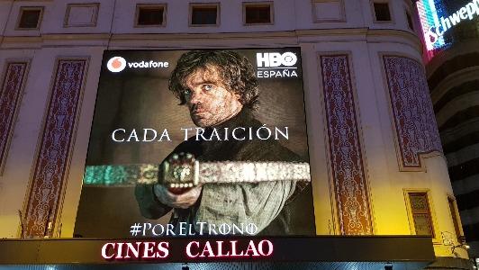 "Espectacular acción sincronizada de exterior  de HBO España  por la última temporada de ""Juego de Tronos"""