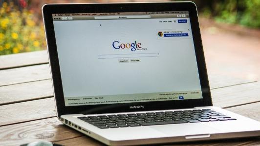 Un estudio destaca cómo influye la publicidad en medios en las búsquedas online del consumidor