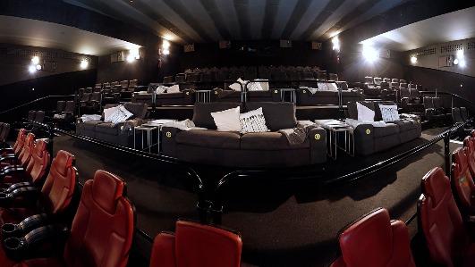 La gran idea de Ikea: sofás en lugar de butacas de cine