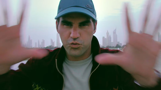 Roger Federer es uno de los prescriptores de este anuncio de Mercedes-Benz